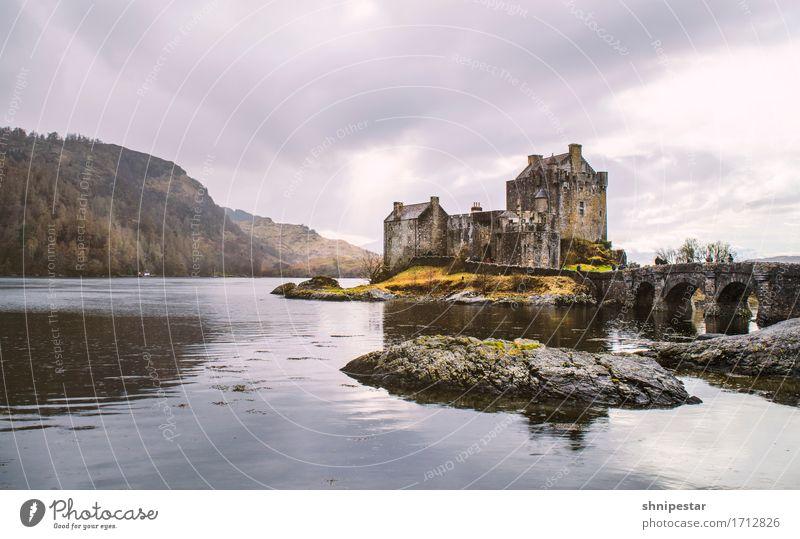 Eilean Donan Castle Ferien & Urlaub & Reisen Tourismus Ausflug Sightseeing Städtereise Museum Architektur Kultur Natur Landschaft Frühling Felsen Bucht Meer