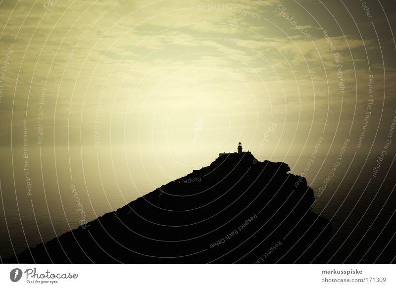leuchtturm Farbfoto Morgendämmerung Ferien & Urlaub & Reisen Tourismus Ausflug Abenteuer Ferne Freiheit Sightseeing Sommer Sommerurlaub Meer Insel Wellen Natur