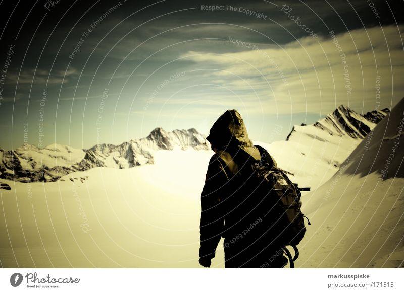 gipfelstürmer am ewigschneefeld Tag Glück Tourismus Ausflug Abenteuer Freiheit Expedition Winter Schnee wandern Umwelt Natur Landschaft Alpen Berge u. Gebirge
