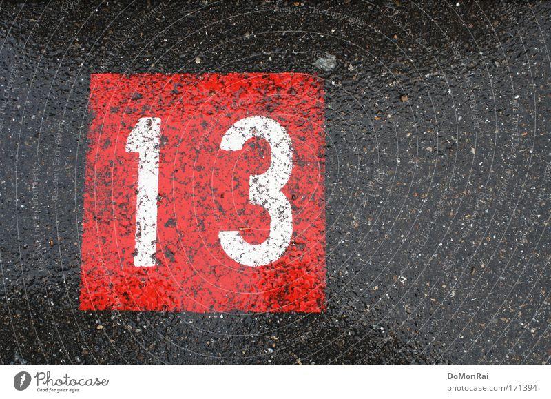 Nr. 0000011110 weiß rot grau Regen glänzend nass Verkehr Europa gefährlich Schweiz Ziffern & Zahlen Asphalt Vergänglichkeit Zeichen Quadrat Symbole & Metaphern