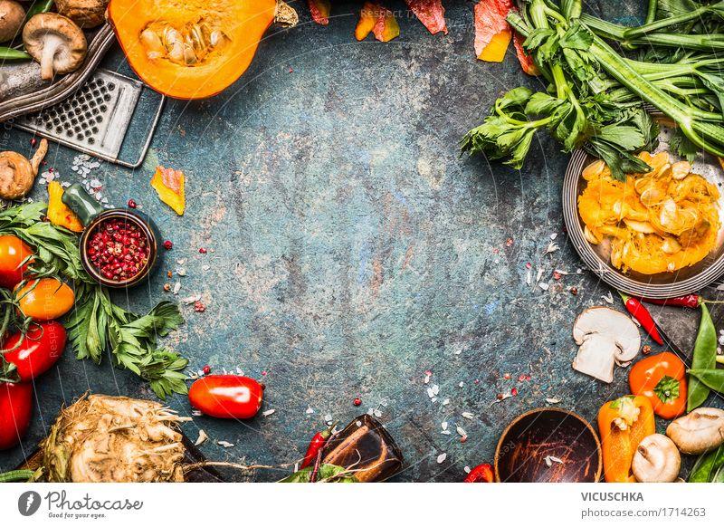 Herbstgemüse Zubereiten und Kochen Lebensmittel Gemüse Ernährung Bioprodukte Vegetarische Ernährung Diät Geschirr Stil Design Gesunde Ernährung Häusliches Leben