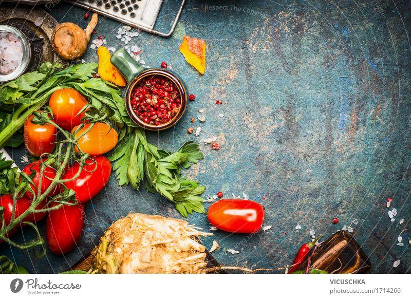 Frisches Gemüse und Gewürze für leckere vegetarische Küche Lebensmittel Kräuter & Gewürze Ernährung Bioprodukte Vegetarische Ernährung Diät Geschirr Stil Design