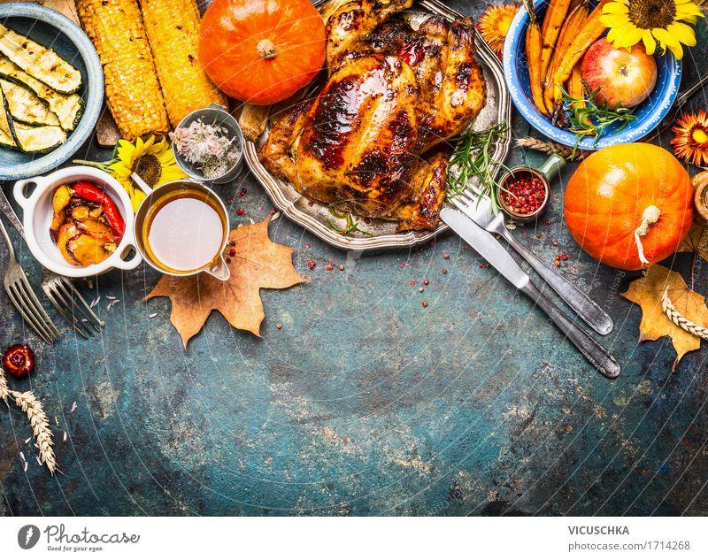 Gebackenes Hähnchen mit Sauce und Herbst Gemüse Gesunde Ernährung gelb Leben Stil Lebensmittel Design Häusliches Leben Tisch Küche Bioprodukte Apfel Restaurant