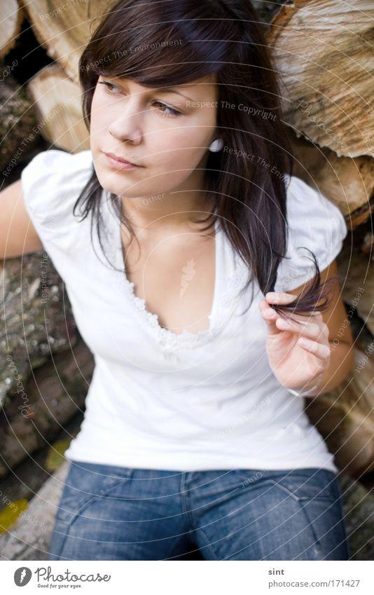 holzfee Mensch Jugendliche schön weiß ruhig Erholung feminin Stil träumen Traurigkeit Zufriedenheit warten Erwachsene elegant einfach