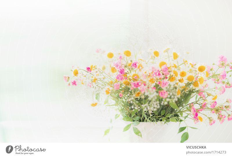 Blumenstrauß mit Wildblumen Natur Pflanze Sommer schön weiß Blatt gelb Blüte Liebe Frühling Stil Garten Feste & Feiern Design hell