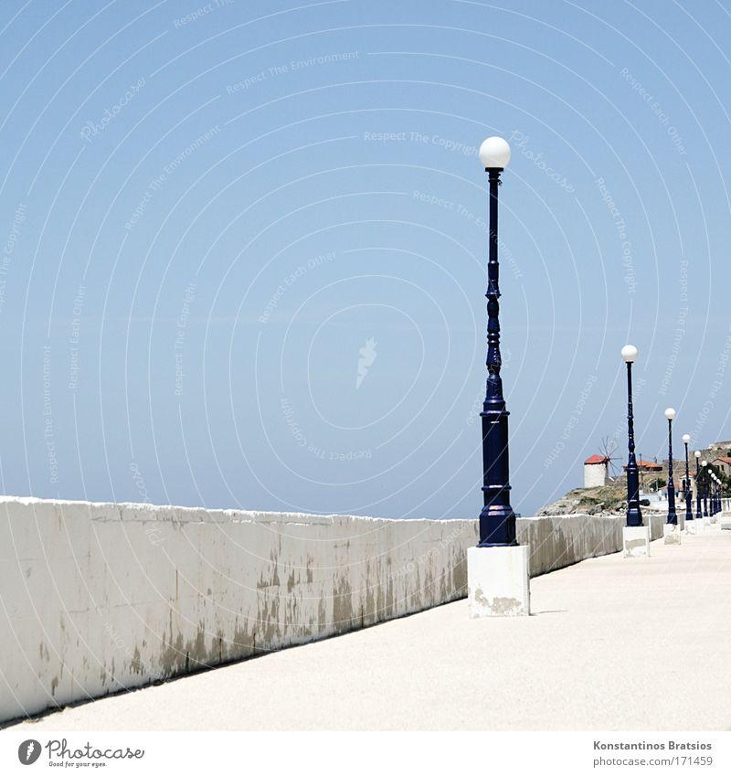 gehen und die Zeit vergessen Farbfoto Außenaufnahme Menschenleer Textfreiraum links Textfreiraum oben Textfreiraum unten Tag Sonnenlicht Himmel Sommer