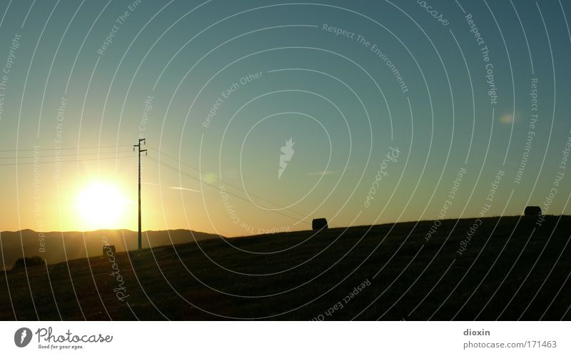 Das letzte Licht #1 Himmel Natur Sonne Sommer Einsamkeit ruhig Erholung Umwelt Landschaft Zufriedenheit Feld Energiewirtschaft Kabel Hügel Schönes Wetter Gelassenheit