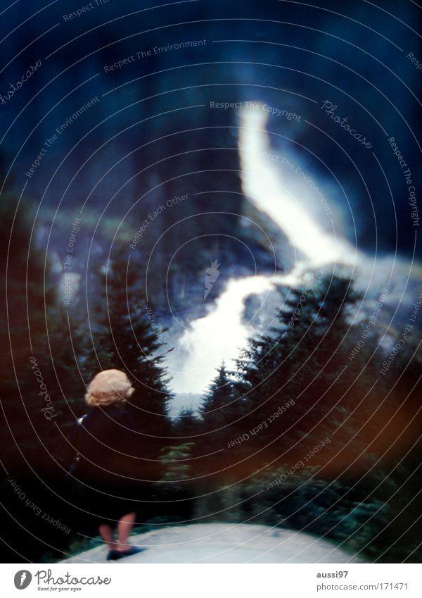 Avalanche Mensch Frau Erwachsene Umwelt Schnee Berge u. Gebirge Eis Frost Spaziergang beobachten Fluss Aussicht Gletscher Wasserfall Klimawandel Bewegung