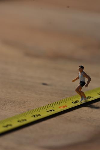 ...unwillig richtung 40... Mensch Mann Erwachsene Senior Sport Gesundheit maskulin laufen Fitness sportlich rennen Sport-Training anstrengen Rennbahn Konkurrenz