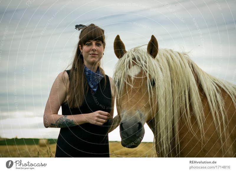 Carina | Haflinger Mensch feminin Junge Frau Jugendliche Erwachsene 1 18-30 Jahre Umwelt Natur Landschaft Himmel Wiese Feld Tattoo brünett langhaarig Pony Tier