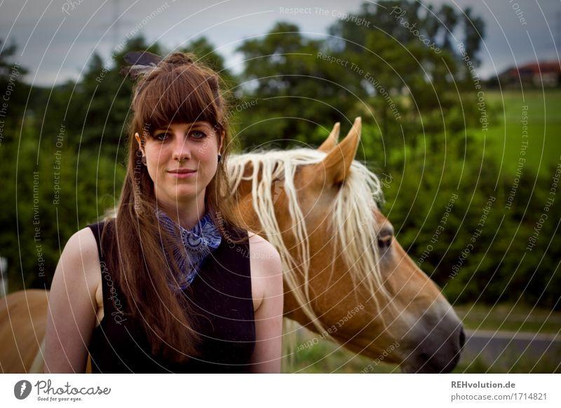 Carina . und der Haflinger Frau Mensch Natur Jugendliche Junge Frau Landschaft Tier Freude 18-30 Jahre Gesicht Erwachsene Umwelt Wiese natürlich feminin Glück