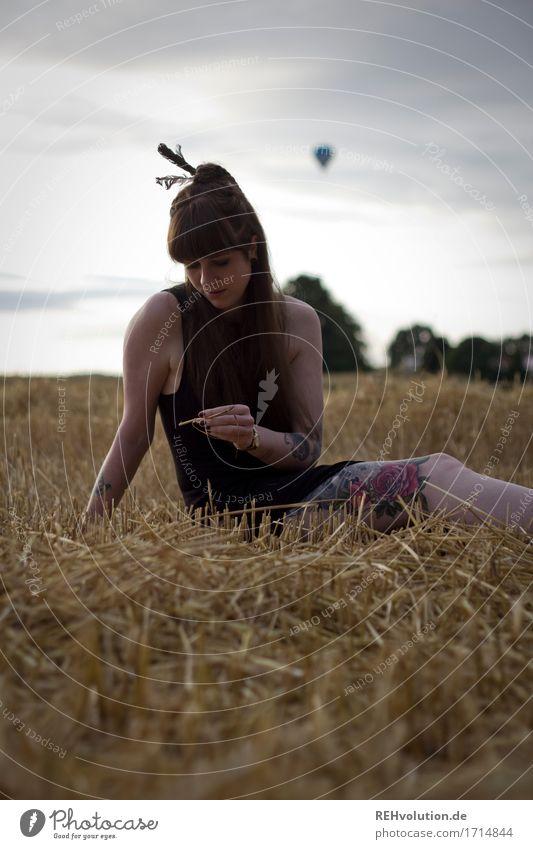 Carina | Heißluftballon Stil Freizeit & Hobby Mensch feminin Junge Frau Jugendliche 1 18-30 Jahre Erwachsene Umwelt Natur Landschaft Himmel Sommer Nutzpflanze