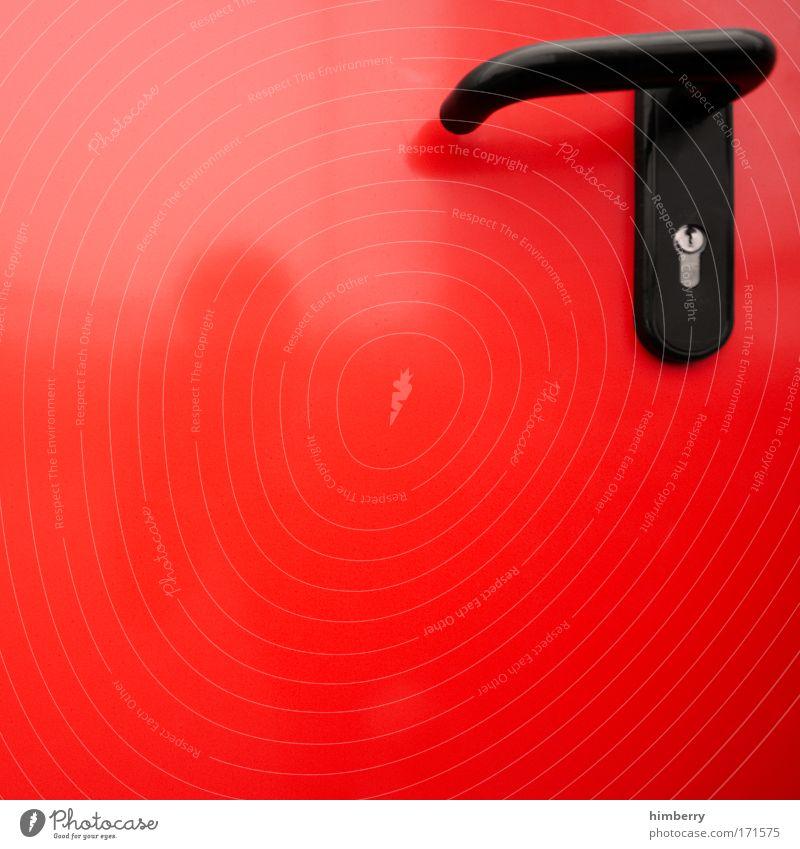 der letzte macht die tür zu rot Tür geschlossen Industrie Baustelle Brandschutz Dienstleistungsgewerbe Stahl Handwerk Eingang Politik & Staat Griff Handwerker schließen Ausgang Feuerwehr