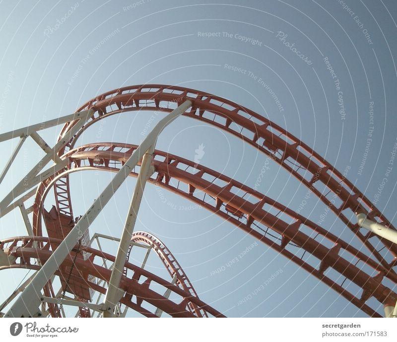 oben und unten verwechselt blau rot Freude fliegen Todesangst Schleife Schwung Jugendkultur Achterbahn Tapferkeit Hamburger Dom