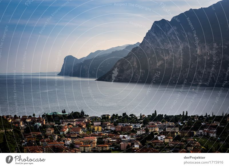 Abend in Turbel am Gardasee Ferien & Urlaub & Reisen Tourismus Ausflug Ferne Freiheit Sightseeing Städtereise Sommerurlaub Berge u. Gebirge Umwelt Natur