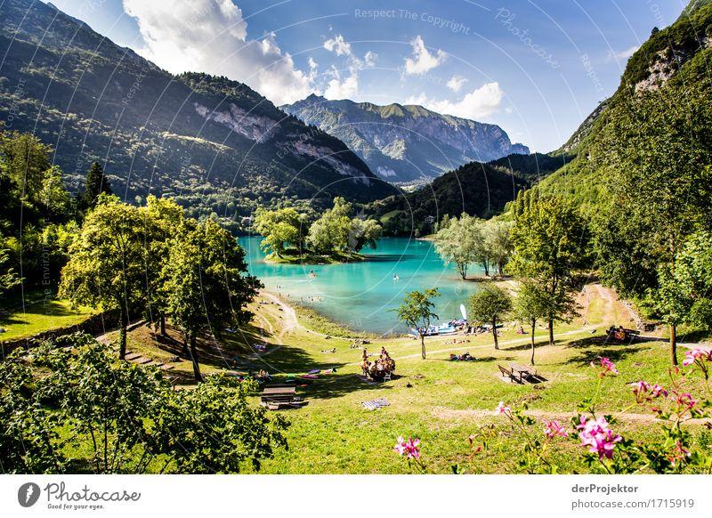 Lago Di Tenno in Italien Ferien & Urlaub & Reisen Natur Sommer Pflanze Landschaft Baum Blume Tier Ferne Strand Berge u. Gebirge Umwelt Tourismus Freiheit See