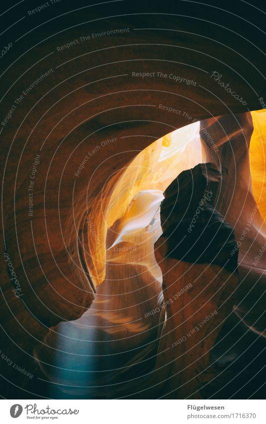 Upper Antelope Canyon [46] Farbe Berge u. Gebirge Stein Sand Felsen orange Tourismus Ausflug USA berühren Hügel Amerika eckig Schlucht Nationalpark Farbenspiel