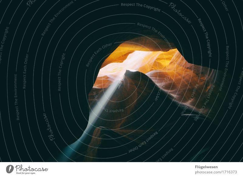 Upper Antelope Canyon [45] Farbe Berge u. Gebirge Stein Sand Felsen orange Tourismus Ausflug USA berühren Hügel Amerika eckig Schlucht Nationalpark Farbenspiel