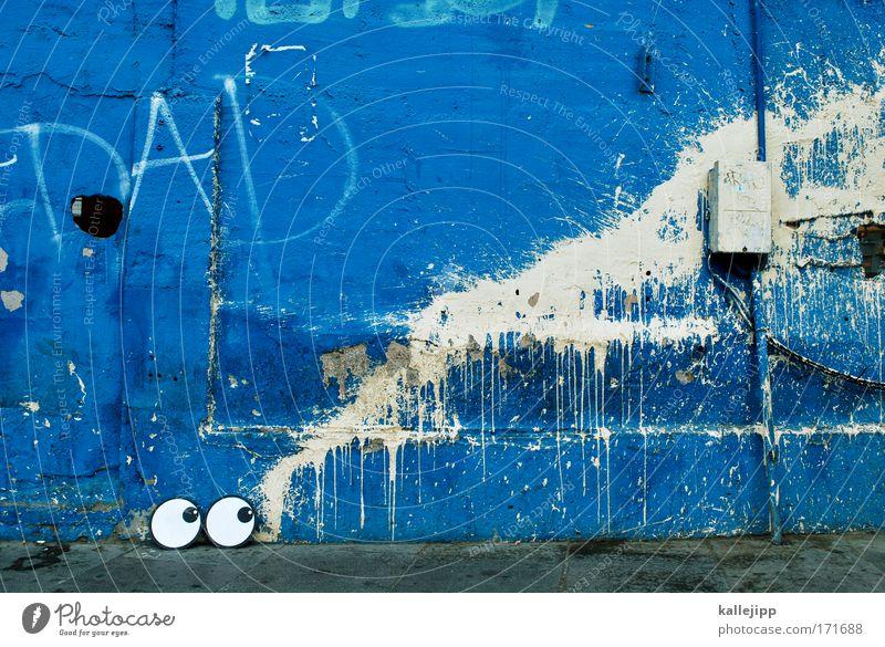 rotz und wasser Farbfoto Außenaufnahme Experiment Textfreiraum oben Tag Totale Schielen androgyn Auge 1 Mensch Kunst Künstler Maler Punk weinen nass blau weiß