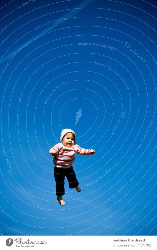 SKY DIVING Mensch Himmel blau Sommer Freude Luft Kind Baby fliegen hoch Ausflug Luftverkehr Schönes Wetter Mütze Beruf Schweben