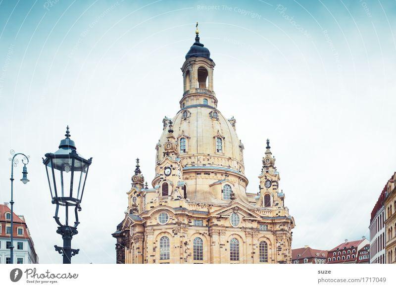 Grande Dame Tourismus Sightseeing Städtereise Kunstwerk Kultur Himmel Stadt Kirche Bauwerk Architektur Sehenswürdigkeit Wahrzeichen Denkmal Zeichen ästhetisch