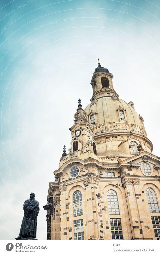 Lutherjahr Tourismus Städtereise Skulptur Kultur Stadt Stadtzentrum Platz Marktplatz Architektur Sehenswürdigkeit Wahrzeichen Denkmal Zeichen stehen alt