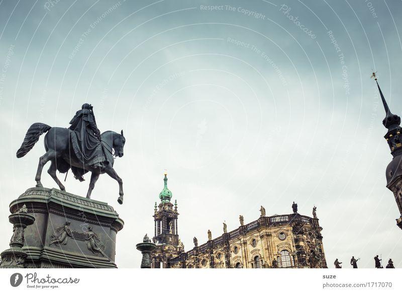 Vorreiterrolle Tourismus Städtereise Skulptur Kultur Himmel Stadt Platz Architektur Sehenswürdigkeit Wahrzeichen Denkmal Pferd alt historisch Religion & Glaube