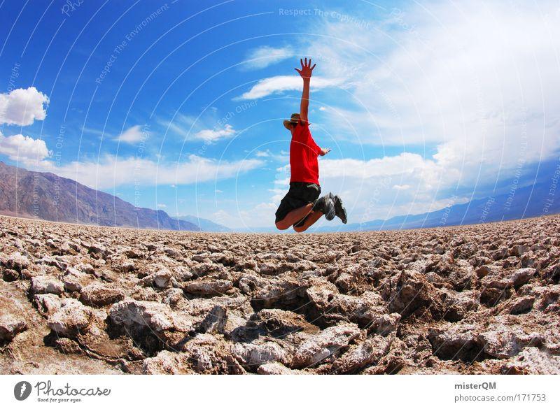 Urlaubsflieger. Himmel Jugendliche rot Freude springen Stein Stil Horizont fliegen Ausflug hoch modern Abenteuer Perspektive Zukunft Reisefotografie