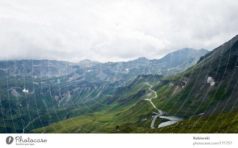 One Way Natur Sommer Wolken Ferne kalt Berge u. Gebirge Landschaft Straßenverkehr groß Horizont Alpen Gewitter Verkehrswege schlechtes Wetter Gewitterwolken Großglockner