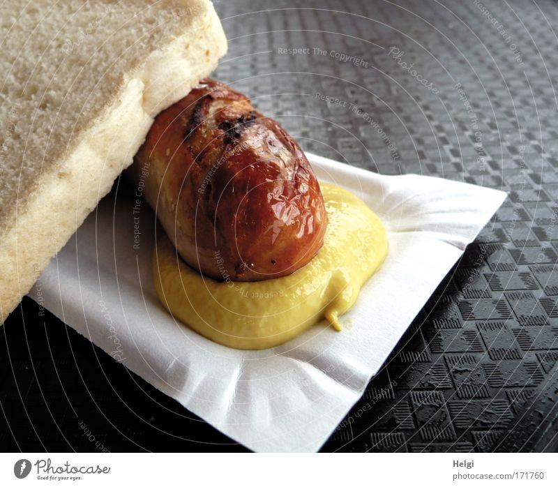 ...mit Senf....für Kasulzke weiß gelb braun Zufriedenheit Ernährung Lebensmittel einfach heiß genießen Appetit & Hunger lecker Brot Duft Fett Begierde Wurstwaren