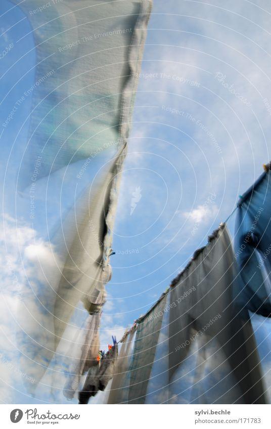 vom winde verweht Himmel Sommer Wolken Garten Bewegung Wind fliegen frisch Seil Klima Sauberkeit Hose hängen Wäsche kariert trocknen