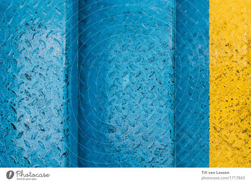 The Blue and Yellow Metall Stahl frisch modern blau gelb Kontrast Treppe hell-blau knallig leuchten Linie Störung Rutschgefahr Farbfoto mehrfarbig Außenaufnahme
