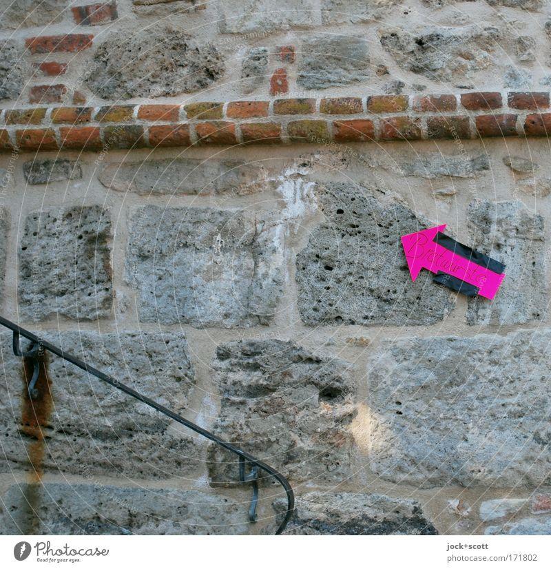 Stairway to Bratwurst alt Wand Wege & Pfade Stil Mauer Stein Metall rosa Schilder & Markierungen Schriftzeichen Beginn Hinweisschild Streifen Zeichen planen