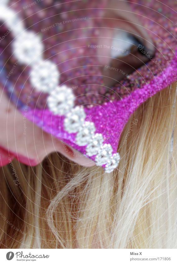 Maske Farbfoto mehrfarbig Innenaufnahme Nahaufnahme Profil Blick nach oben Haut Gesicht Party Feste & Feiern Flirten Karneval Silvester u. Neujahr Jahrmarkt