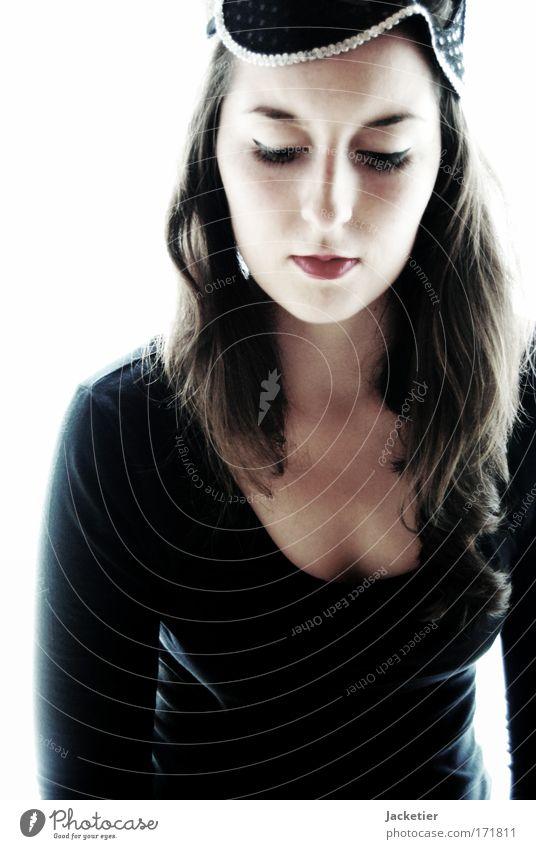Marie. Mensch Jugendliche schön Gesicht Auge feminin Leben Kopf Haare & Frisuren Denken Mund glänzend Arme elegant sitzen Haut