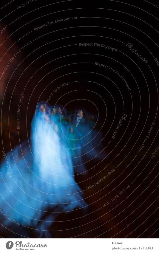 Dreams_nightmares_ghosts-6 Mensch Frau Ferien & Urlaub & Reisen blau weiß dunkel schwarz Erwachsene kalt feminin Tod träumen Angst bedrohlich Todesangst