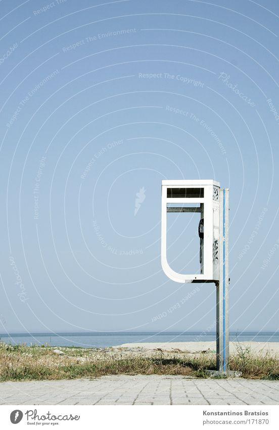 Waiting For Your Call Himmel Sommer Meer Strand Wärme Wege & Pfade hell Horizont warten Schönes Wetter Kommunizieren einfach Telefon Kontakt Bürgersteig Wolkenloser Himmel
