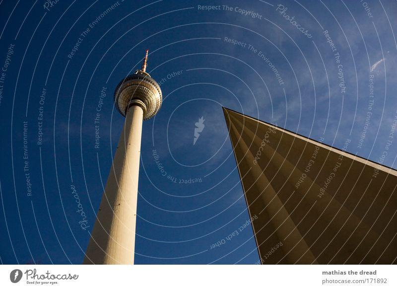 SPITZ ZULAUFEND Himmel Natur Stadt Wolken kalt Umwelt Berlin Architektur Deutschland hoch groß Zukunft stehen Europa Turm