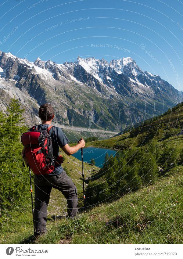 Mensch Himmel Natur Ferien & Urlaub & Reisen Mann blau Sommer Landschaft rot Einsamkeit Berge u. Gebirge Erwachsene Wege & Pfade Sport Junge See