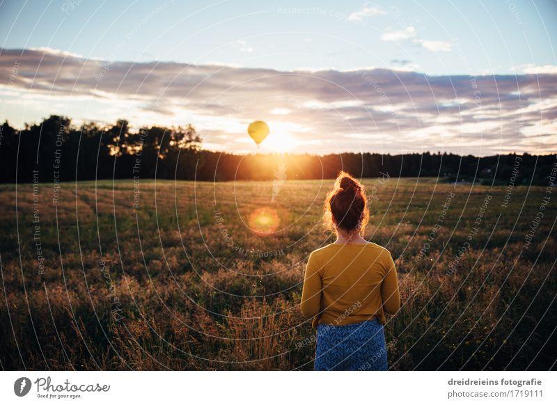 Und da war es wieder... dieses Licht! Mensch Frau Natur Ferien & Urlaub & Reisen Sommer Sonne Landschaft Erholung Ferne Erwachsene natürlich Bewegung feminin Freiheit Horizont träumen