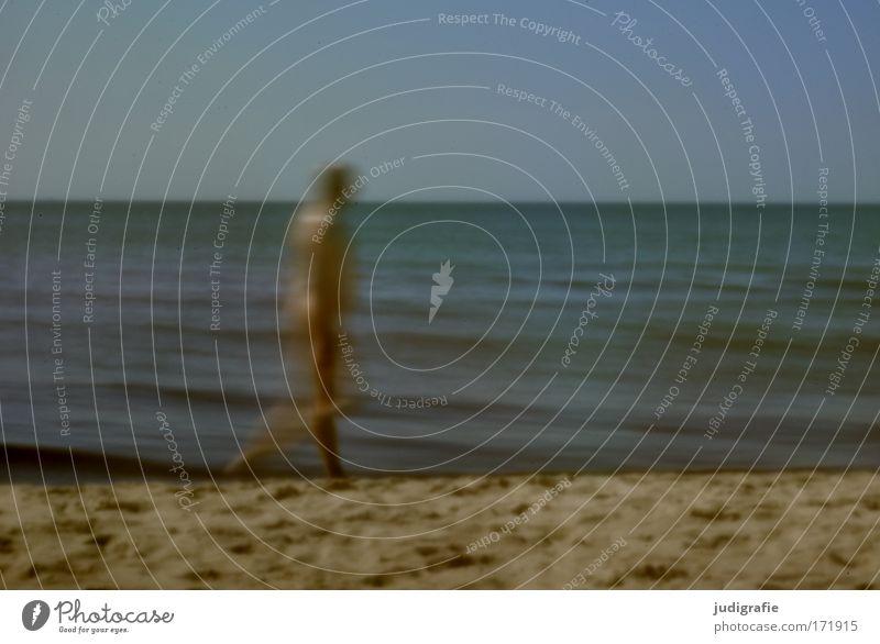 Strandbewegung Mensch Mann Wasser Himmel Meer Strand Erwachsene gehen laufen Umwelt Ostsee