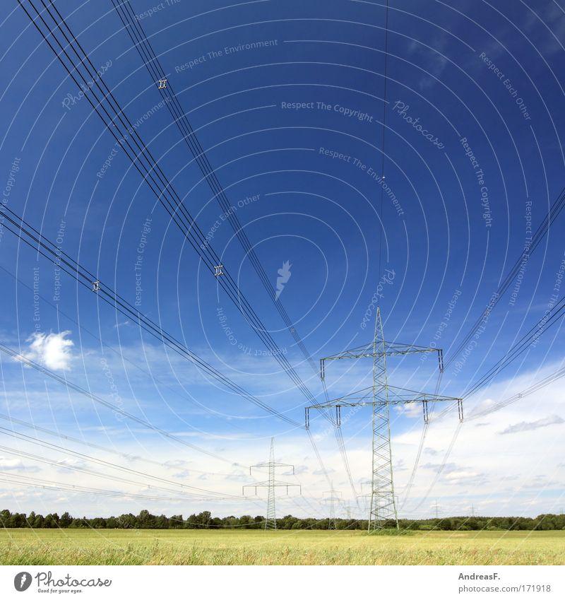 Strom Himmel Landschaft Feld Energie Industrie Energiewirtschaft Elektrizität Netzwerk Kabel Schönes Wetter Strommast Stromtransport Leitung Hochspannungsleitung Erneuerbare Energie Kohlekraftwerk