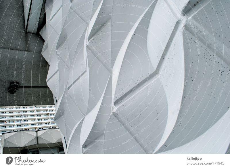 plattenmeer weiß Haus Fenster Wand Architektur Mauer Fassade Hochhaus Perspektive Tanzen Balkon DDR Nostalgie Plattenbau Schwung Ostalgie
