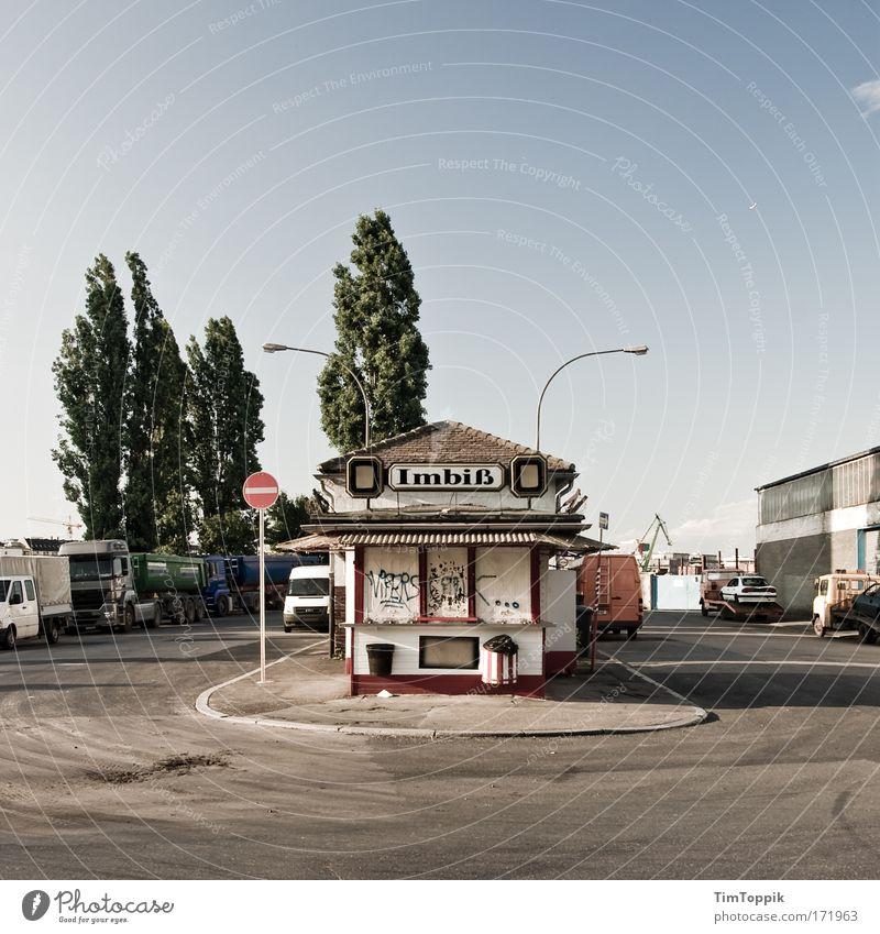 Imbiss Ost #2 Haus Restaurant Wand Fenster Ladengeschäft grau Traurigkeit Mauer PKW Verkehr Fassade Hessen Platz trist Fabrik Gastronomie