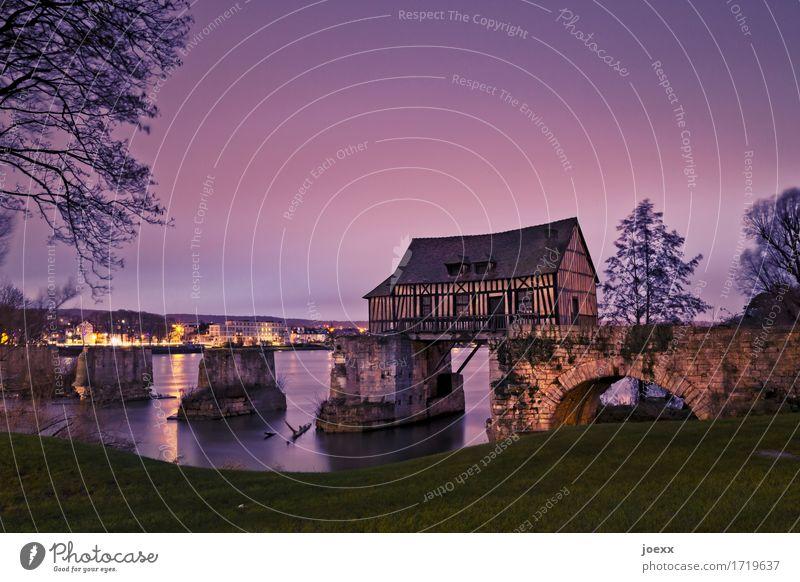 Altes Mühlhaus Tourismus Fluss Seine Vernon Frankreich Menschenleer Haus Ruine Brücke Sehenswürdigkeit alt schön violett Idylle Nostalgie Tradition Verfall
