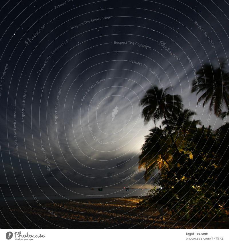 WOLKENKURVEN Himmel Meer Strand Ferien & Urlaub & Reisen Wolken Erholung Sand Linie Nachthimmel Mond Indien Palme Kurve Nacht Malediven Paradies