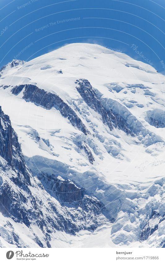 Monte Bianco Umwelt Berge u. Gebirge Mont Blanc Gipfel Schneebedeckte Gipfel Sehenswürdigkeit leuchten außergewöhnlich blau weiß Gletscher Eis Frankreich
