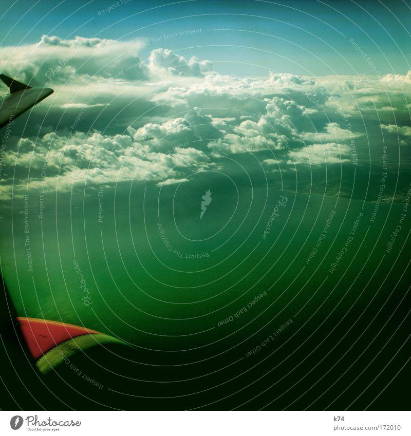 """""""Hello. This Is Your Captain Speaking..."""" Farbfoto Außenaufnahme Luftaufnahme Luftverkehr Wasser Himmel Meer Flugzeug Passagierflugzeug im Flugzeug frei"""