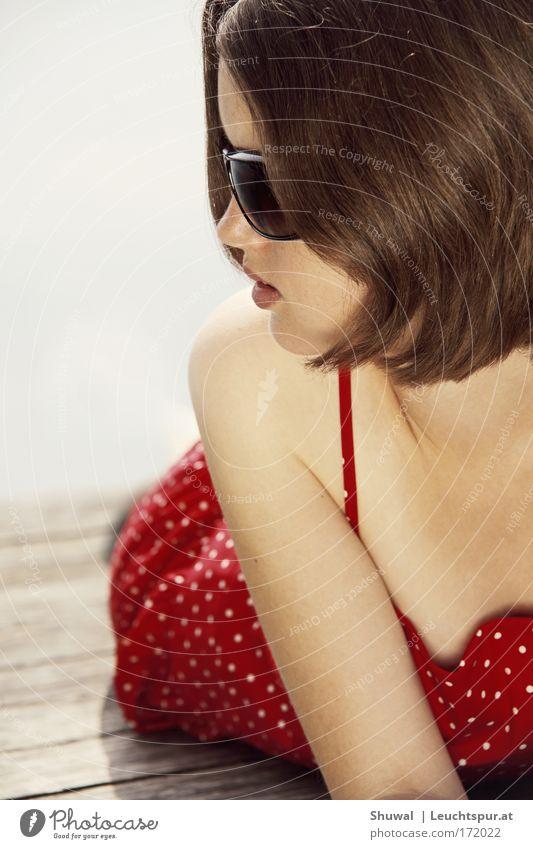 ... aber bitte mit Sahne Frau Jugendliche weiß schön rot Ferien & Urlaub & Reisen Sommer Gesicht Erwachsene Erholung feminin Kopf Haare & Frisuren Stil elegant