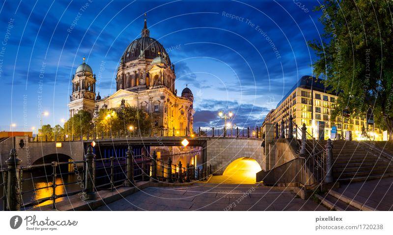 Panoramaaufnahme vom Berliner Dom Ferien & Urlaub & Reisen Tourismus Sightseeing Städtereise Sommer Nachtleben Nachthimmel Fluss Spree Berlin-Mitte Deutschland